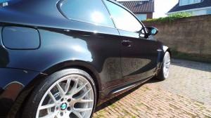 BMW1M-09