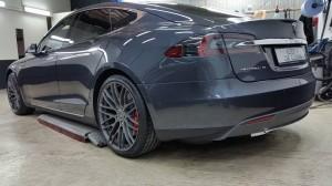 Tesla 02