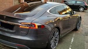 Tesla 05